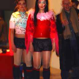 Buy or Die, performance, Play Gallery, Berlin, 2004