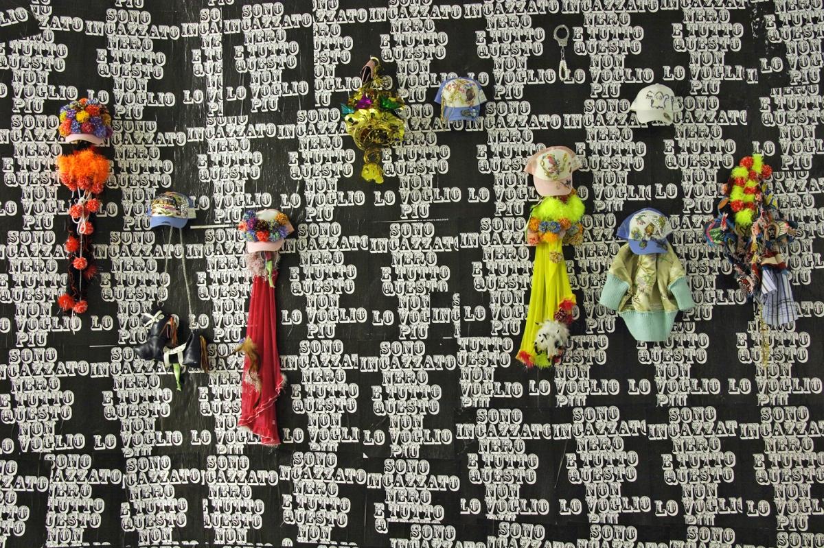Sono incazzato nero e tutto questo non lo voglio più, installation view, Viafarini, Milan, 2006