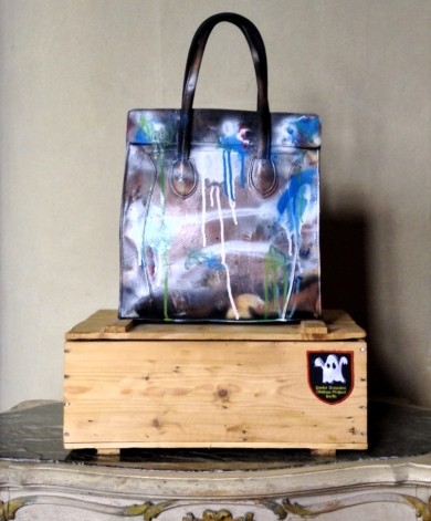 Daniel González_hand-made wood packaging_Bag Version, D.G. Clothes Project