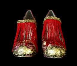 Bastardisation #2, 2014, spray paint, gold leaf, fringes and golden decoration on leather décolleté shoes, size n38, unique piece