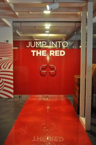 I colori del Rosso, gallery entrance view, Galleria Campari, Milan